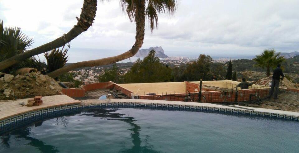 Aislamiento t rmico de una piscina climatizada for Piscina climatizada valencia